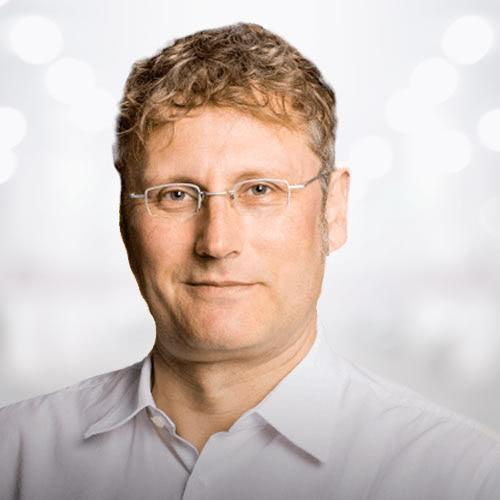 Dr. Raimund Schriek
